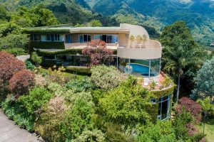 House Hunting in Costa Rica: An Artist's Haven in the Mountains
