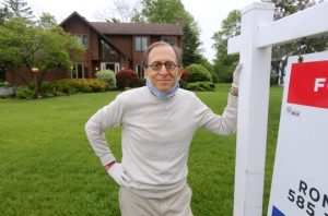 Looking for pandemic home bargains? Rochester Realtors say there are no deals.